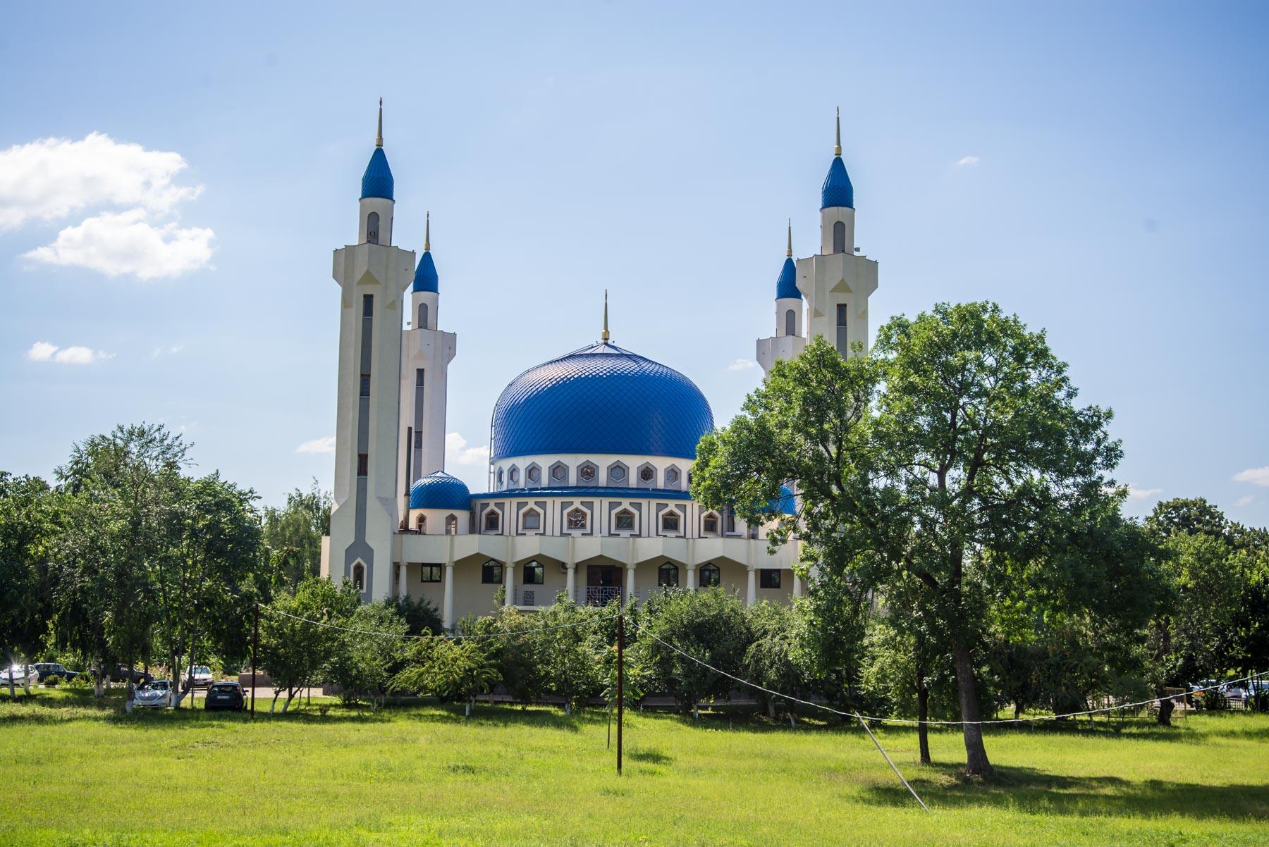 В Краснодарском крае и Адыгее введены ограничения в работе мечетей